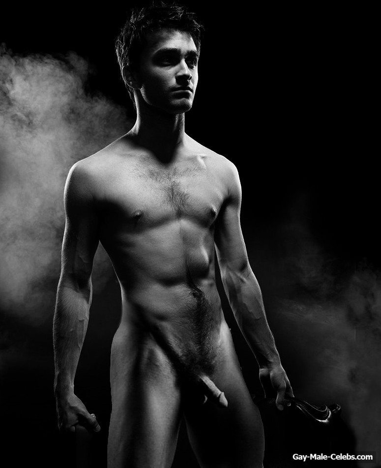 Daniel Radcliffe Frontal Nude And Sexy Photos  Gay-Male -5718