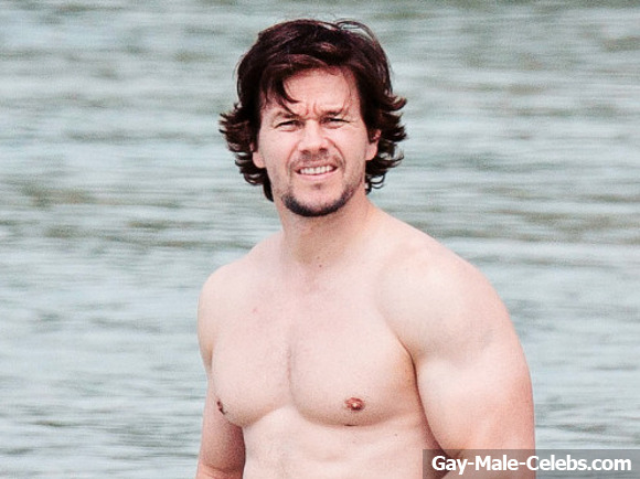 Male celebrities caught naked-9865