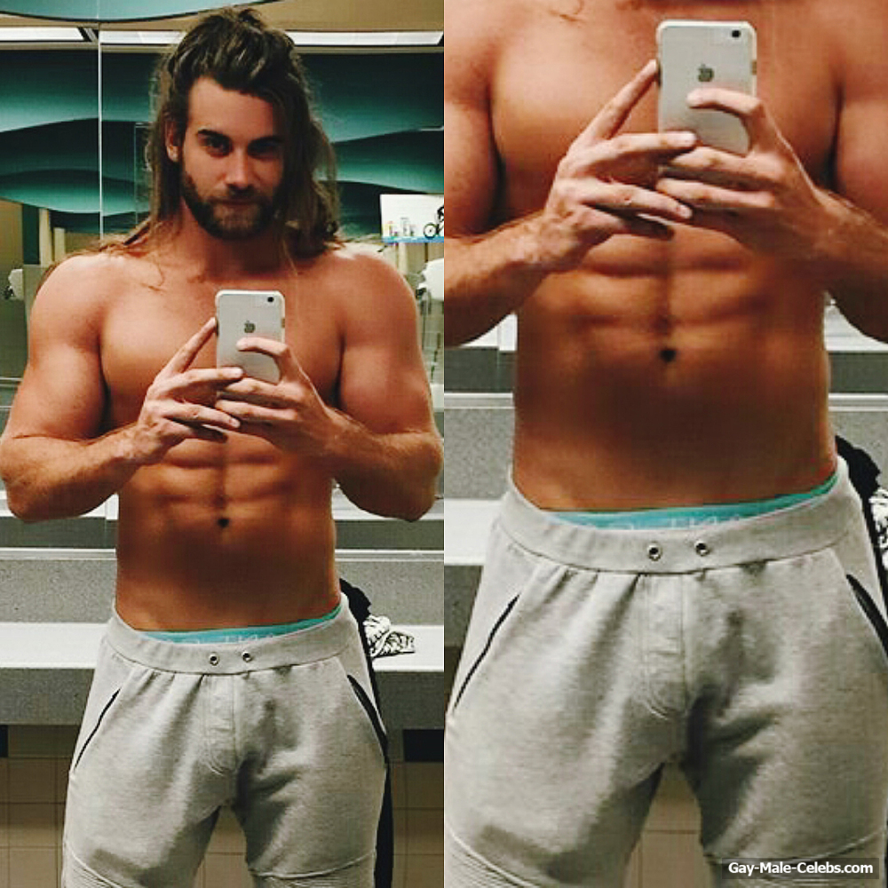 Brock Ohurn Exposed Muscle Butt And Bulge Selfie  Gay -3017