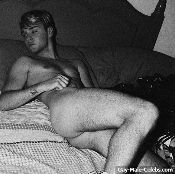 Lloyd Daniels Nude