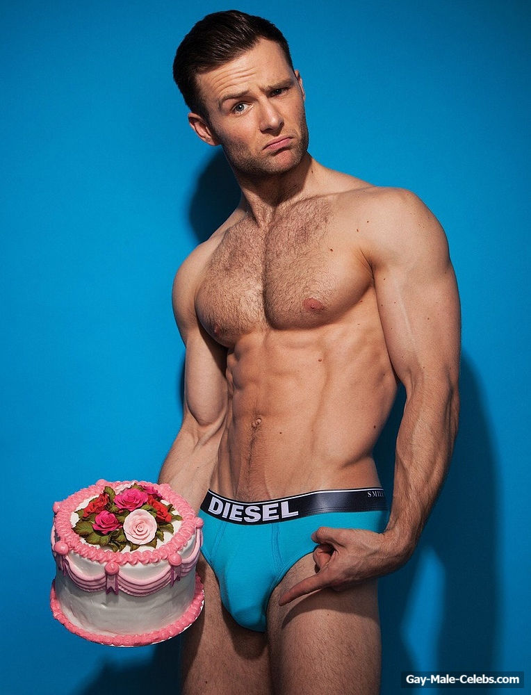 Harry Judd Leaked Frontal Nude Selfie In The Mirror  Gay -1862