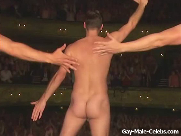 Gary Lucy Shows Off His Sweet Bare Ass  Gay-Male-Celebscom-3988