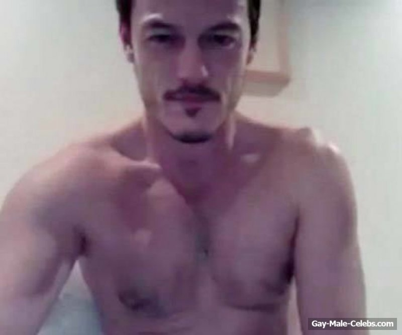 Drunk Luke Evans Caught Naked On Cam4 Fake  Gay-Male -9934