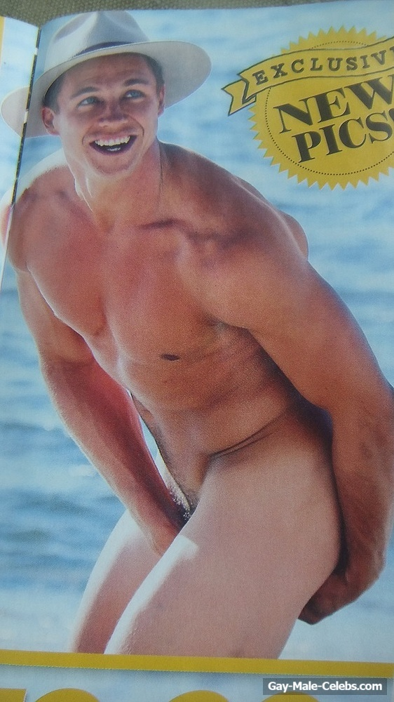 Ryan Ginns Caught By Paparazzi Totally Nude On The Beach