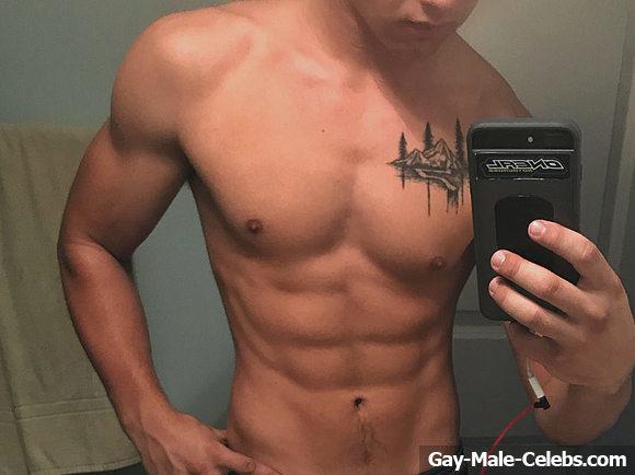 Gavin MacIntosh Nude
