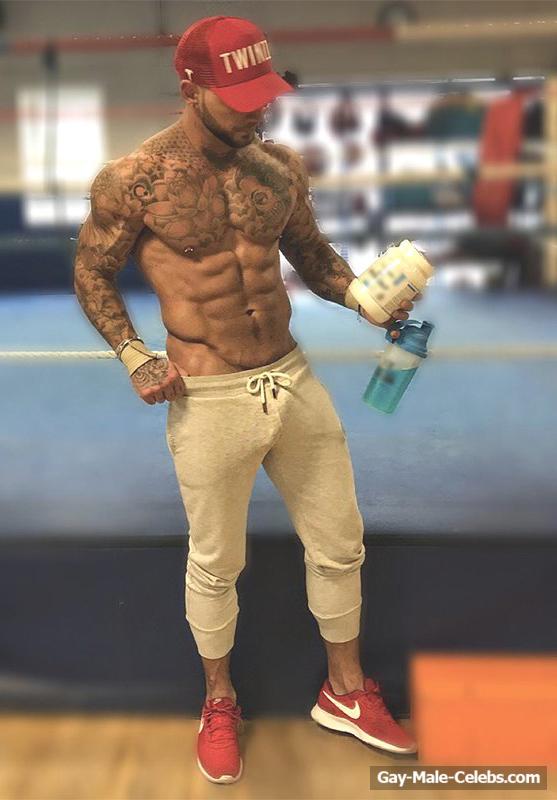 Sean Pratt Exposing His Hot Muscle Ass