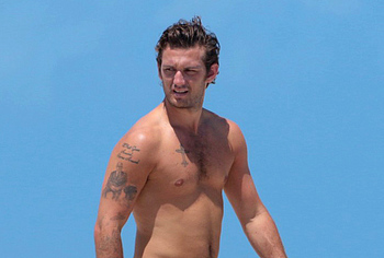 Alex Pettyfer nude