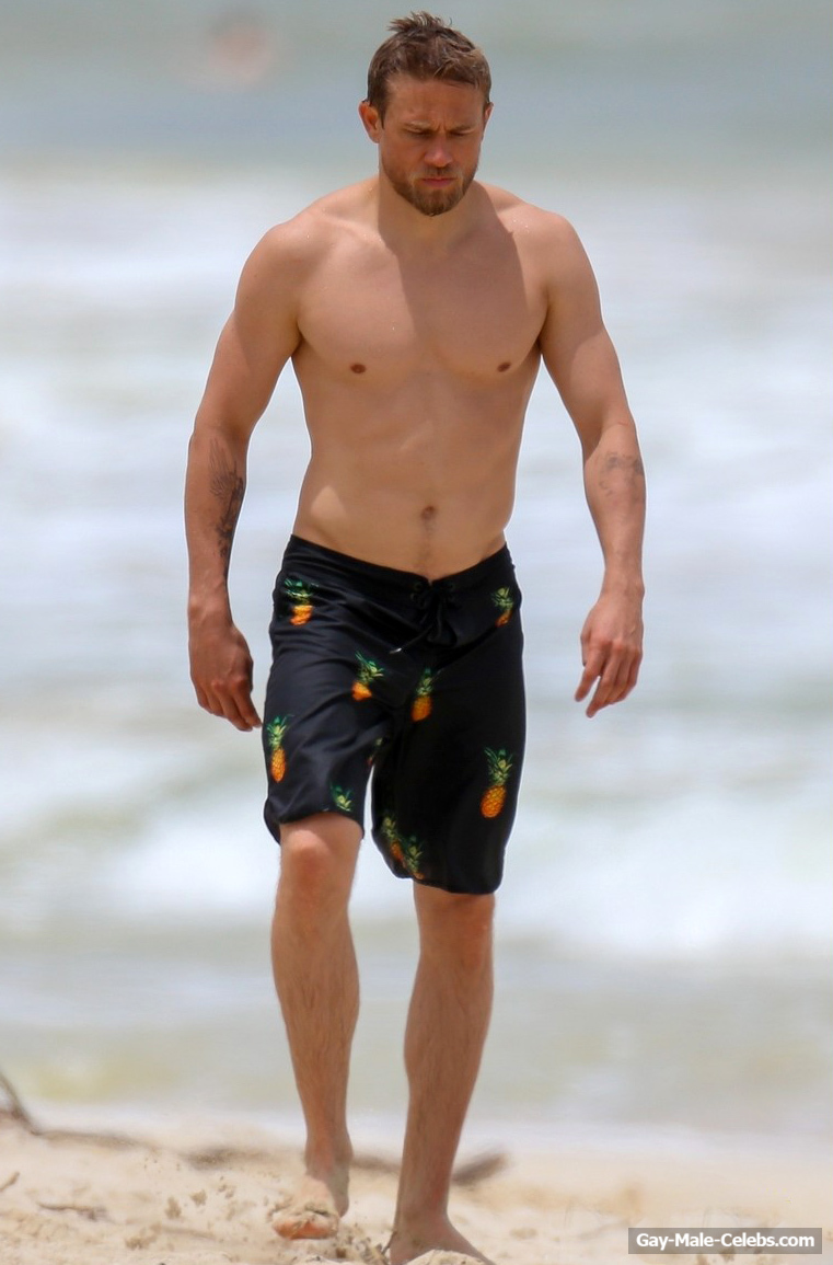 Charlie Hunnam Caught Shirtless On A Beach