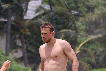 Charlie Hunnam nude