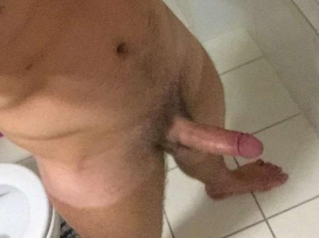 Matt Linnen nude