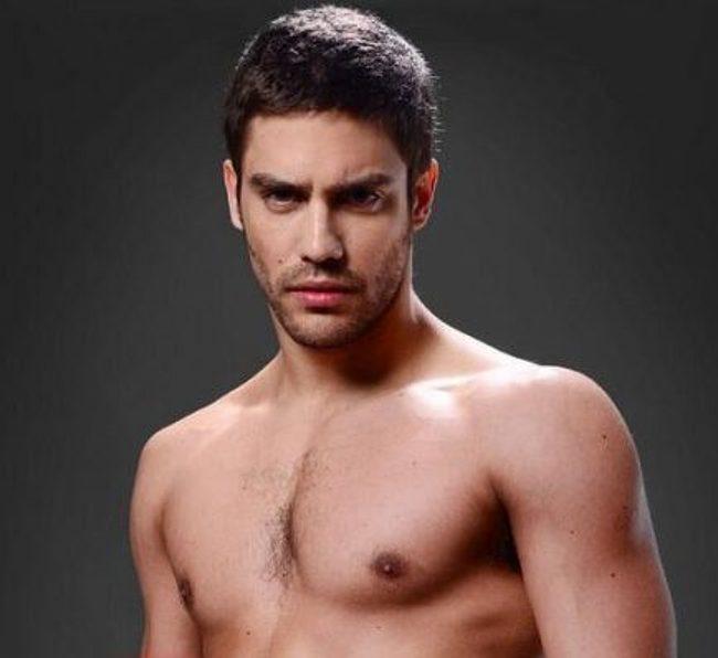Juan Manuel Guilera nude