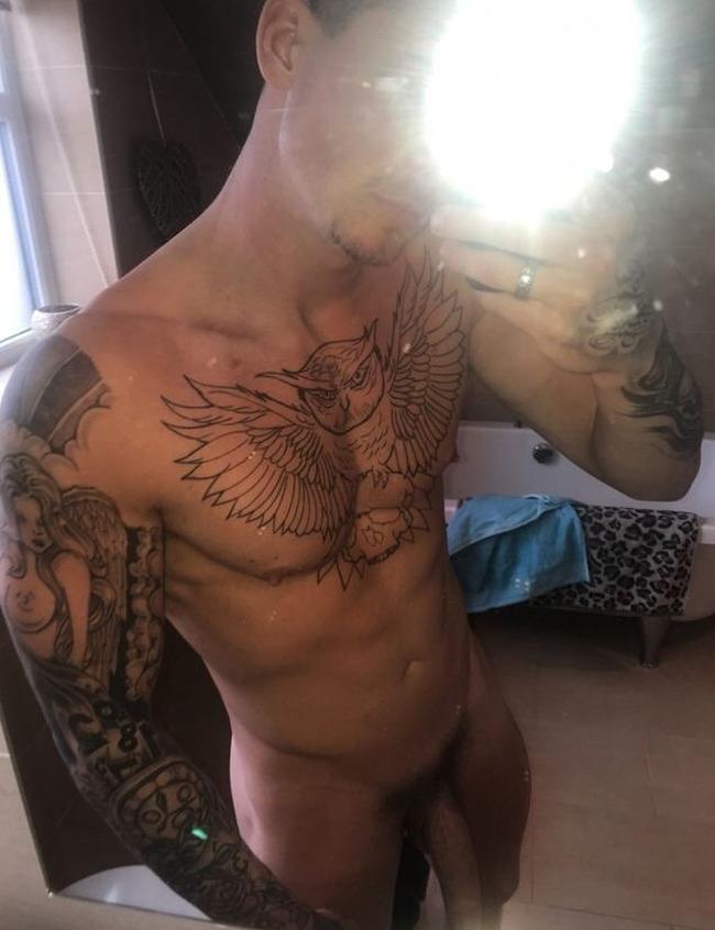 Sam Chaloner nude
