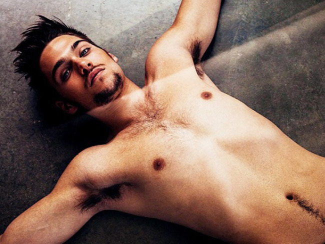 Dylan Sprayberry nude