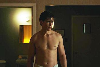 Brenton Thwaites nude