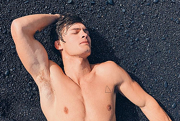 Dylan Geick Nude