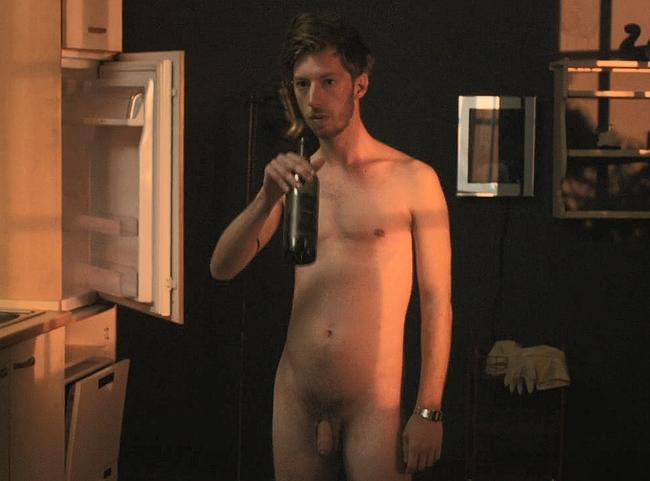 Max Mauff nude