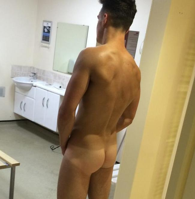 Aldo Walsh nude