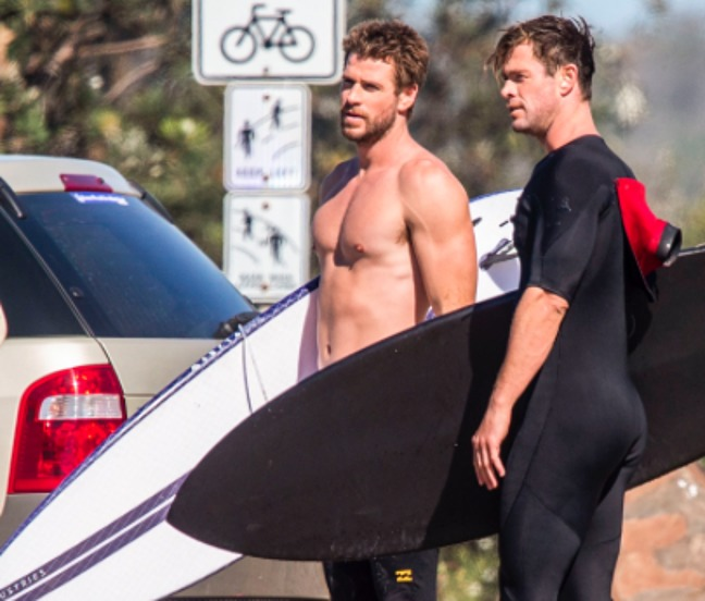 Liam and Chris Hemsworth nude