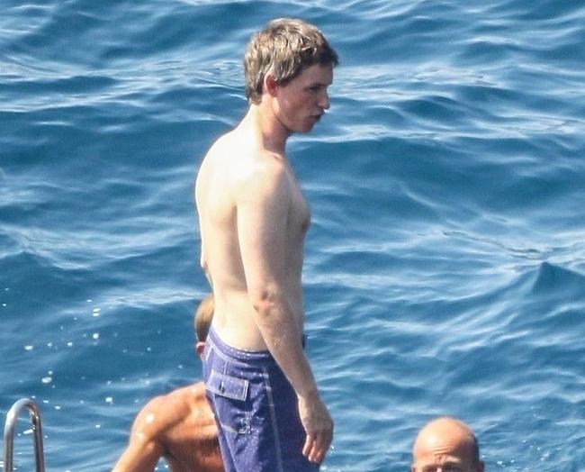 Eddie Redmayne nude
