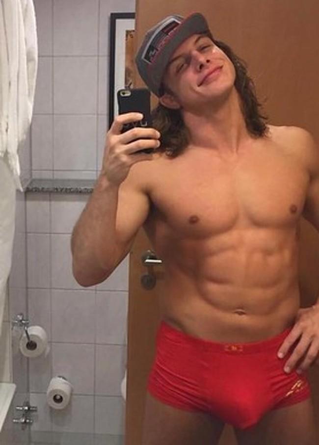 Matt Riddle nude
