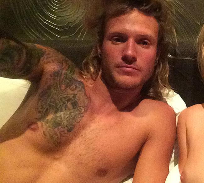 Dougie Lee Poynter nude