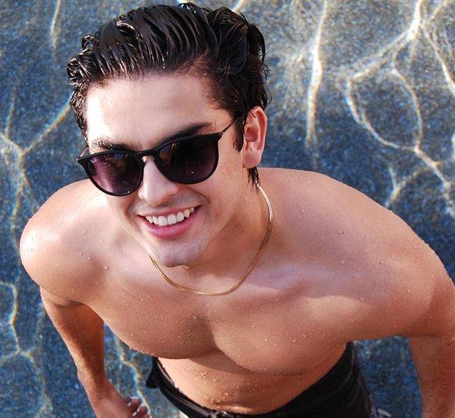 Diego Tinoco nude