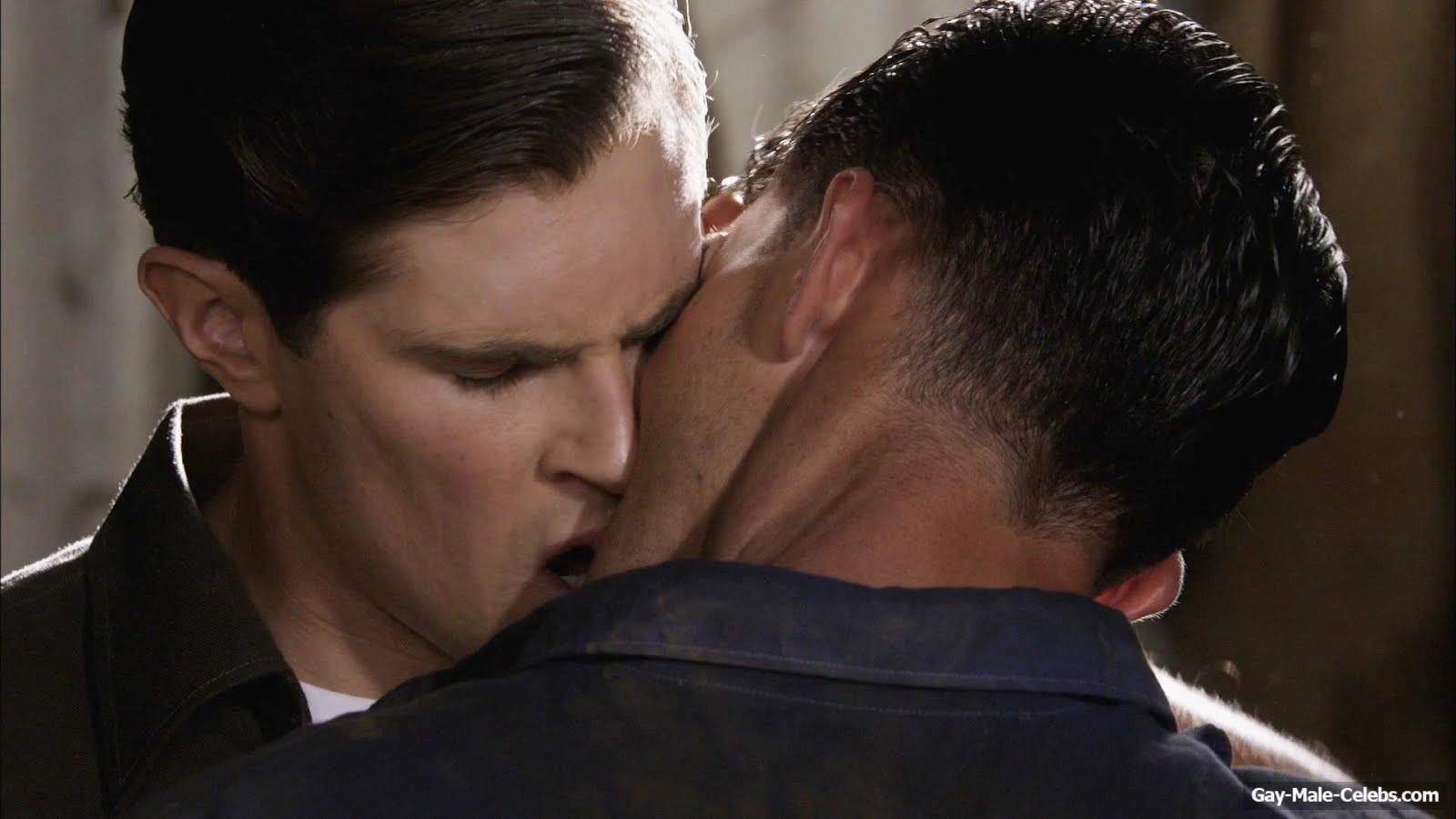 David Berry & Dominic Allburn Hot Gay Kiss Video