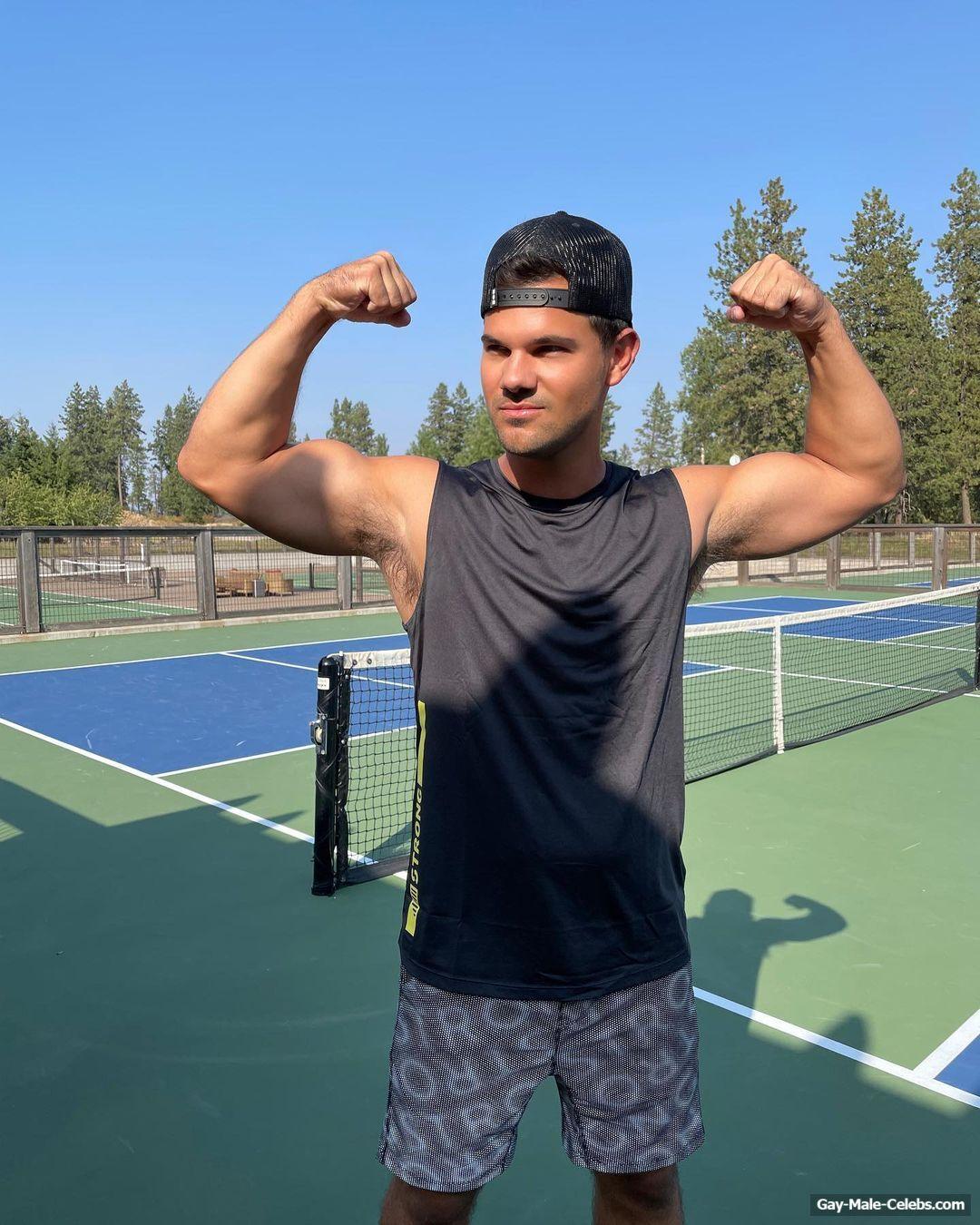 Taylor Lautner Shows His Round Ass And Hairy Armpits
