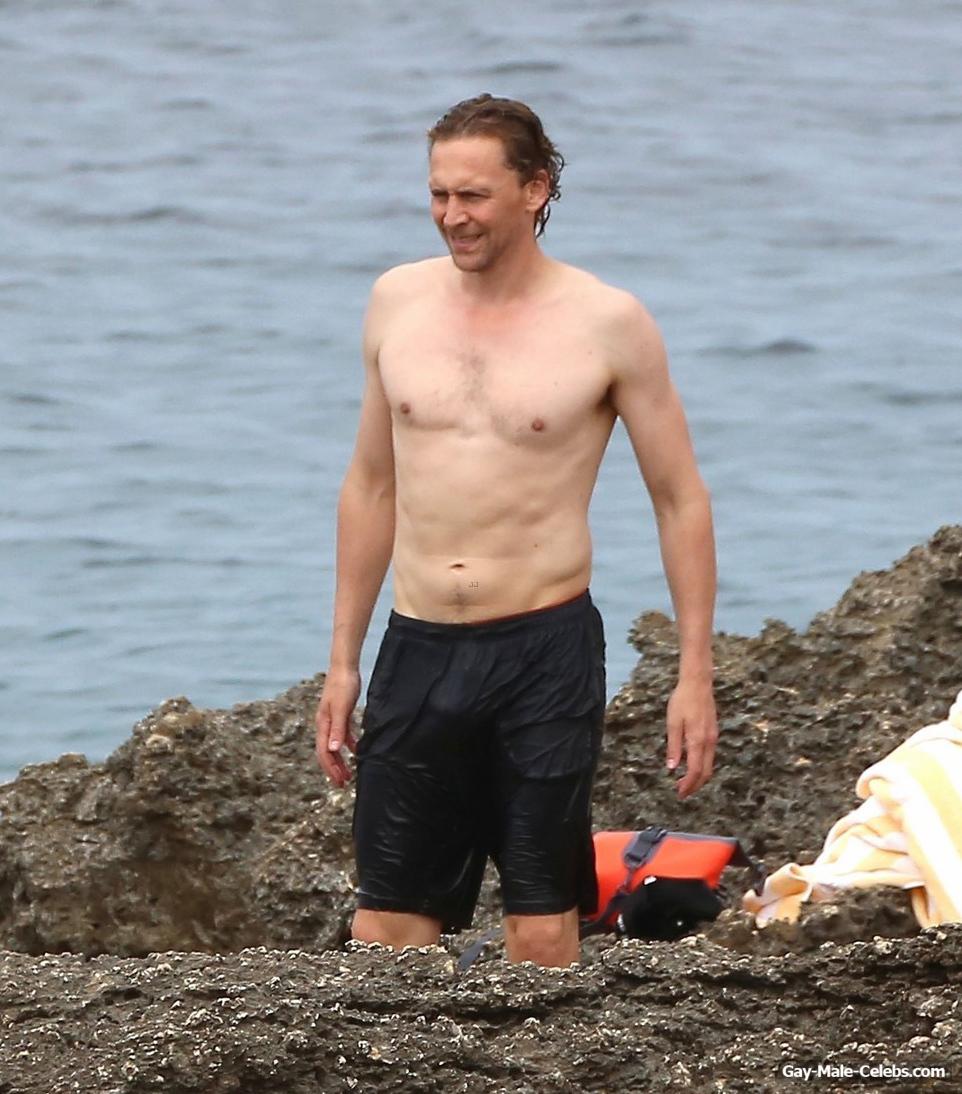 Tom Hiddleston Great Bulge And Shirtless Photos