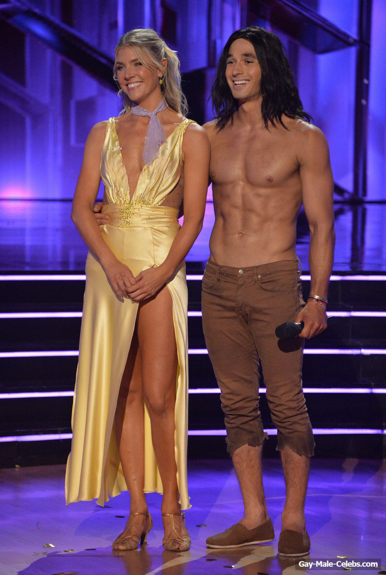 Alan Bersten Shirtless And Sexy in Dancing with the Stars